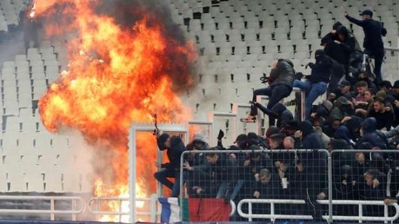 """Голям скандал в Атина! Взривиха бомба на """"Олимпийския стадион"""" (видео)"""