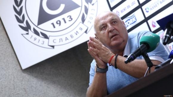 Венци Стефанов: Реферите не помагат на Лудогорец, не се зарадвах на загубата на Левски