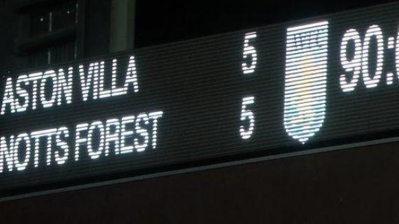 Вила и Форест си вкараха 10 гола