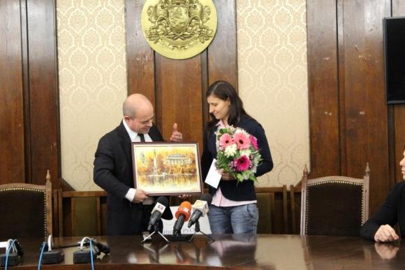 Кметът на Русе награди Стойка Петрова