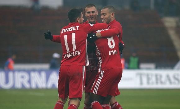 """Червените"" гонят рекорд срещу Славия"