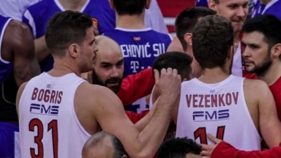 Везенков игра 9 минути при победа на Олимпиакос в Евролигата