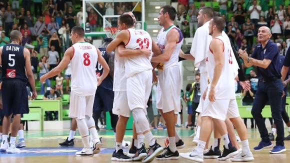 Национали се включиха в баскетболен турнир за деца с увреждания