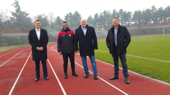 Министър Кралев посети финансираните от държавата спортни обекти в Област Хасково