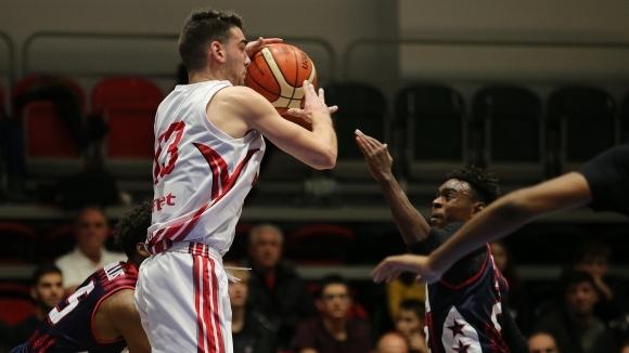 Осемкратен шампион на Гърция следи Чернокожев