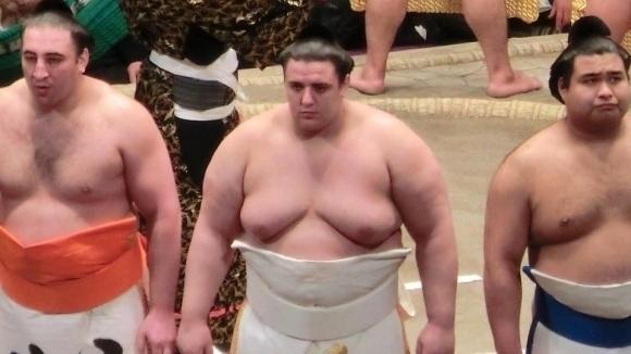 Сумистите в Япония ще вземат по-високи заплати от Нова година