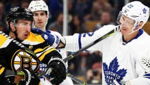 Бостън вкара шест на Торонто