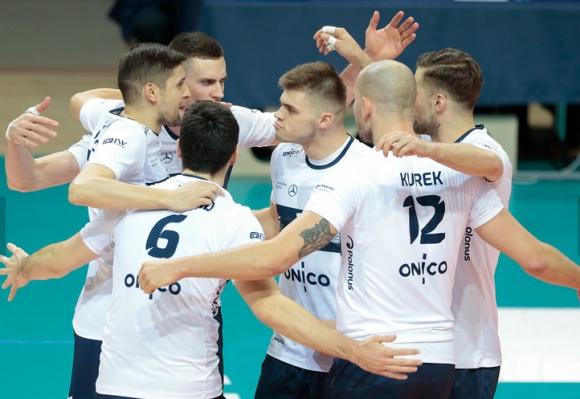 Николай Пенчев и Бартош Курек дебютираха с победа за Онико (Варшава)