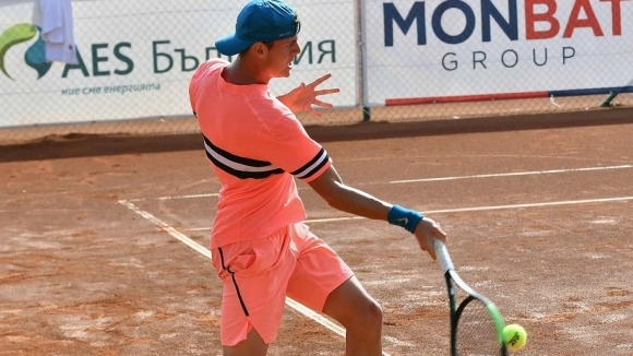 Лазаров изхвърли петия в схемата и стигна полуфиналите в Доха