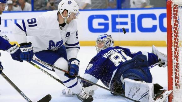Тампа Бей с осма поредна победа, Василевски направи впечатляващо завръщане на леда