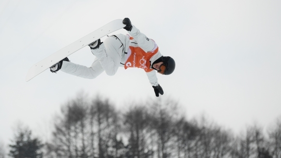 Олимпийски шампион получи контузия при падане