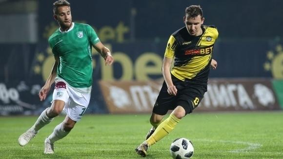 Тодор Неделев и Дани Кики спечелиха елитен футболен турнир в Пловдив (снимка)