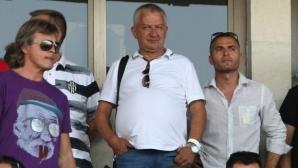 Крушарски реши бъдещето на Акрапович, говори за завръщането на Златински