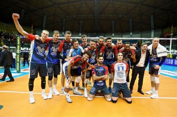 Виктор Йосифов и Монца приключиха година с победа в Италия