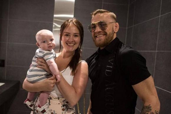 Конър стана татко за втори път