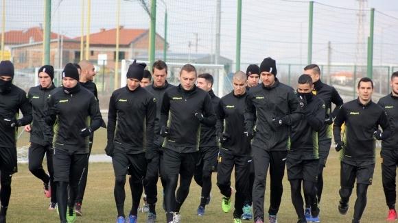 Двама нови футболисти участваха в първата тренировка на Ботев (Пд)