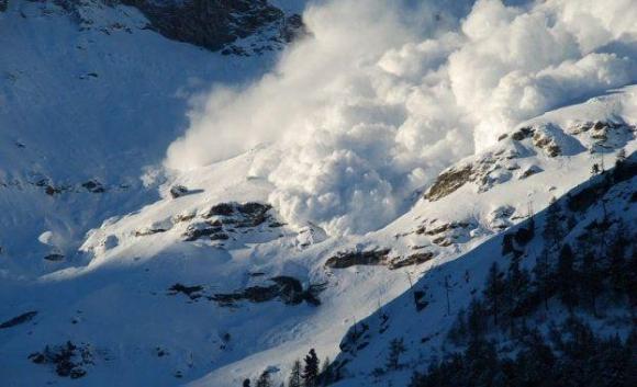 Лавина уби двама сноубордисти над Банско