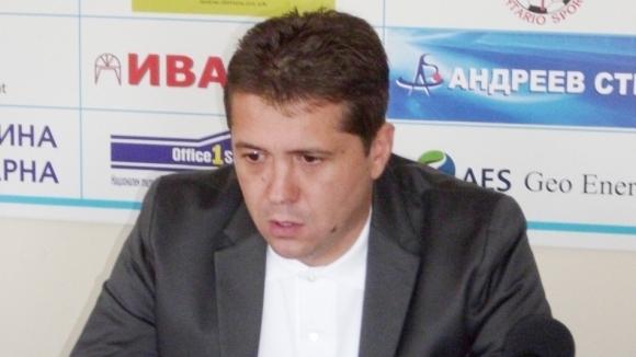 Напусналият треньор на Ботев (Нови пазар): С 325 лева бюджет на месец няма как да се прави футбол