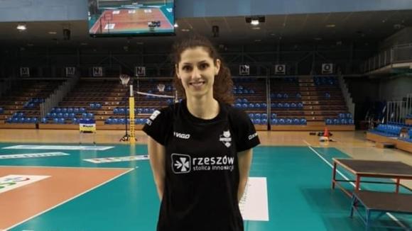 Ева Янева ще продлъжи кариерата си в Полша