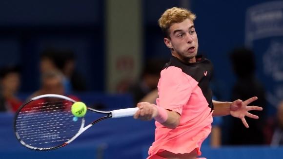 Адриан Андреев стартира с убедителна победа на турнир по тенис в САЩ