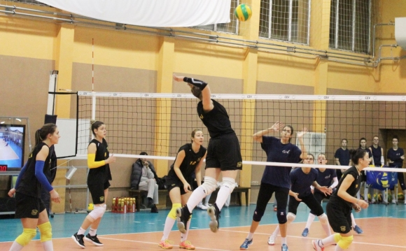 Женският волейболен Марица спечели първата контрола с КСМ Букурещ след...