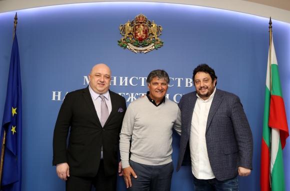 Кралев обсъди с Тони Надал възможността за създаването на филиал у нас на...