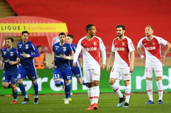 Монако катастрофира срещу Страсбург