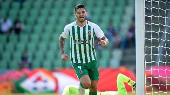 Бивш нападател на ЦСКА бележи в Португалия (видео)