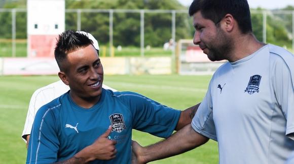 Сантос връща Куева в Бразилия