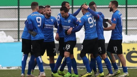 Възстановителна тренировка за футболистите на Черно море