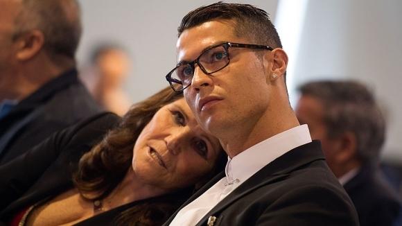 Майката на Кристиано: Боря се за живота си