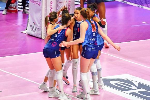Силна Ели Василева с 13 точки, Скандичи с изненадваща загуба в Италия (снимки)
