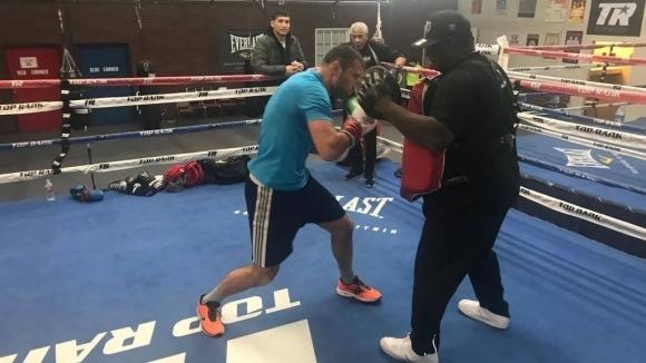 Тервел Пулев тренира с бивш световен шампион в тежка категория (снимки)