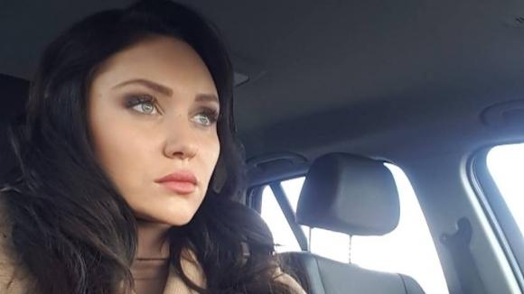 """Разбиха автомобила на """"златната"""" Ренета Камберова"""