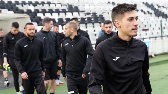 Талантът от школата на Славия ще играе в Локомотив (ГО)