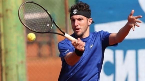 Васко Младенов е четвъртфиналист на двойки в Тунис
