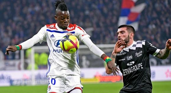 Лион се измъчи с аутсайдера в Лига 1