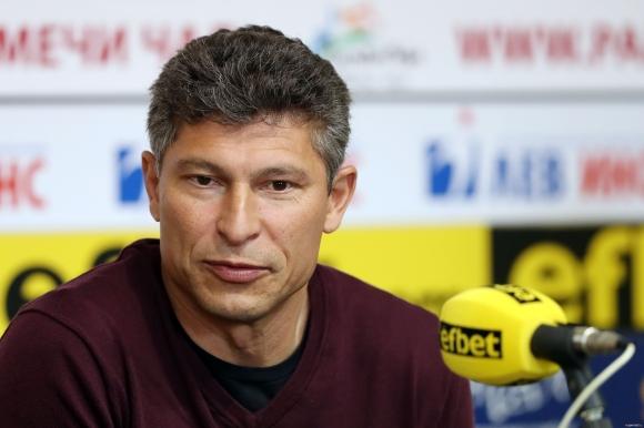 Красимир Балъков: Преди мача говорих с момчетата в кабината