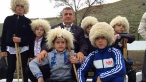 Който пребори мечка ще е наследник на Хабиб Нурмагомедов (видео)