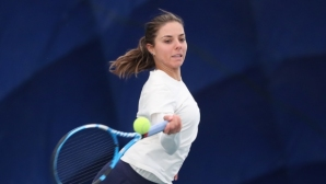 Виктория Томова стартира с победа в квалификациите в Будапеща