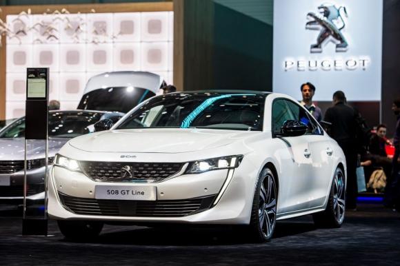 Peugeot се електрифицира през 2019 г. и променя слогана си