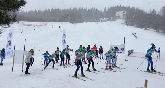 Ски-бегачите на Сапарева баня доминираха на олимпийския зимен фестивал в...