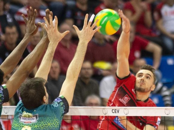 Силвано Пранди изведе Шомон до мачбол срещу Перуджа, но победата взе шампионът на Италия (снимки + видео)
