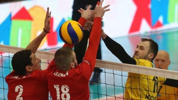 Хебър изпрати Нефтохимик срещу Левски, а ЦСКА стигна до второто място в редовния сезон
