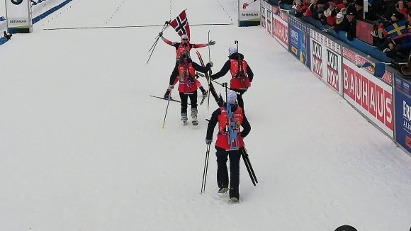 Норвегия спечели титлата в женската щафета на СП по биатлон, България не завърши
