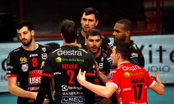 Супер Цецо Соколов с 19 точки и MVP! Лубе с нова лесна победа в Италия