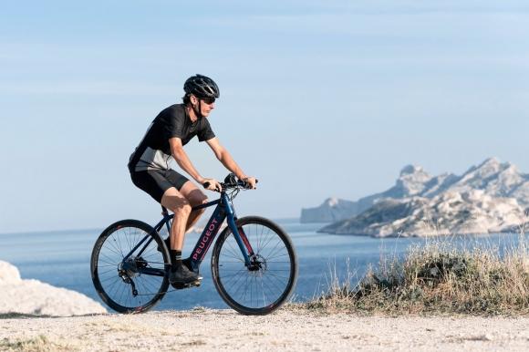 Peugeot лансира осем нови трекинг и шосейни eлектрически велосипеди