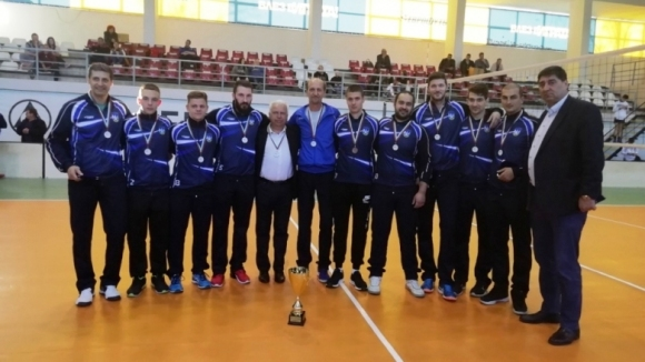 Кметът на Горна Малина със специална награда за волейболистите на Звездец