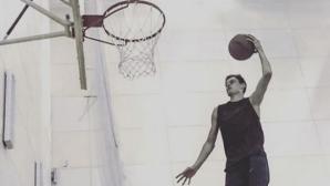Лисенко показа умения в баскетбола