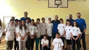 Левски Лукойл се върна в училище (снимки)